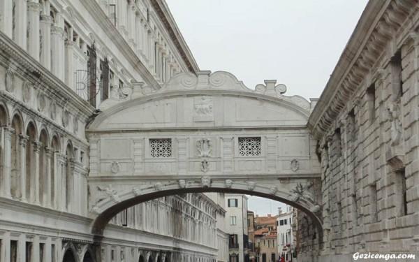 Ahlar Köprüsü