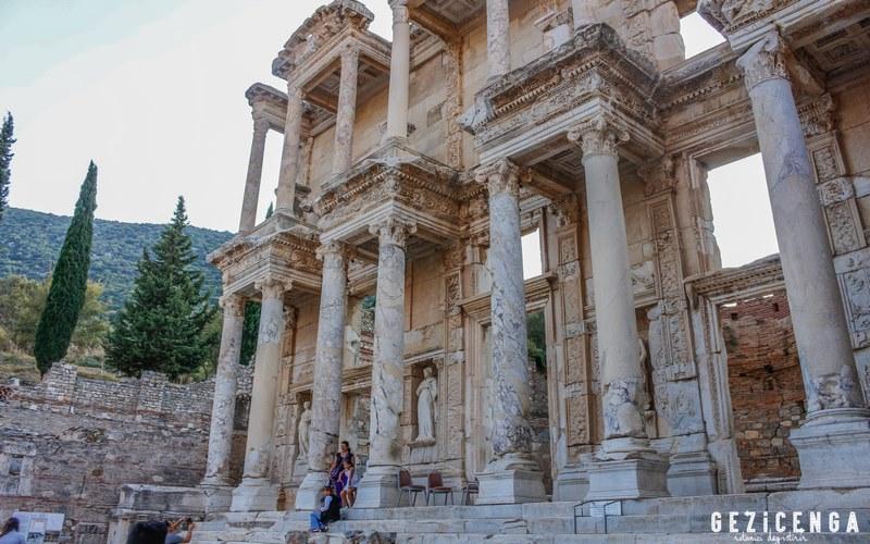 Celsus Kütüphanesi Efes