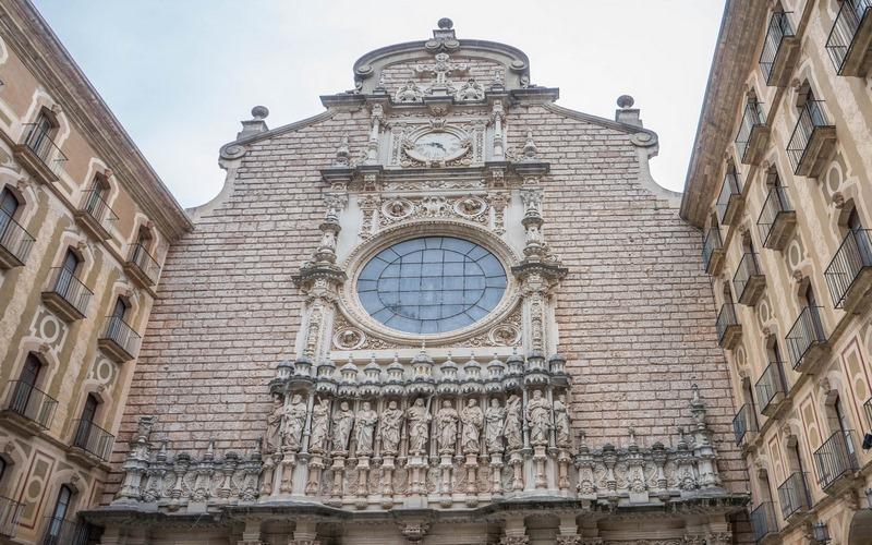 Montserrat Manastırı ve Dağı, Barselona