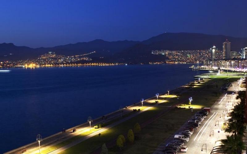 İzmir'de Nerede Kalınır