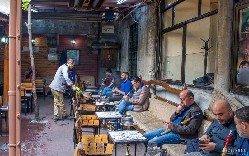 Erenler Nargile de İstanbul'un en güzel mekanları arasındadır.