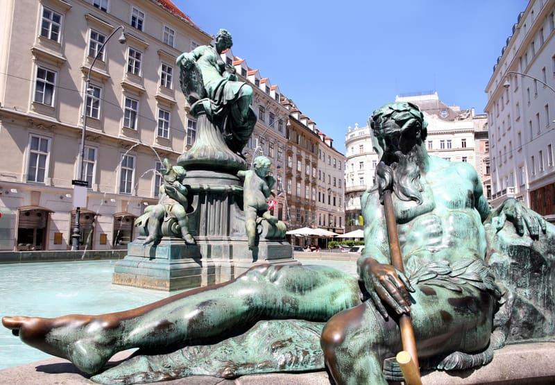 Donner Çeşmesi Viyana Gezilecek Yerler