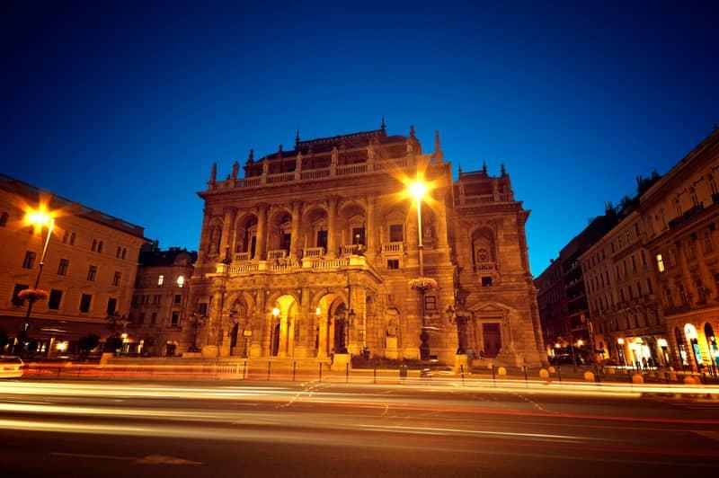 Macaristan Devlet Opera Binası