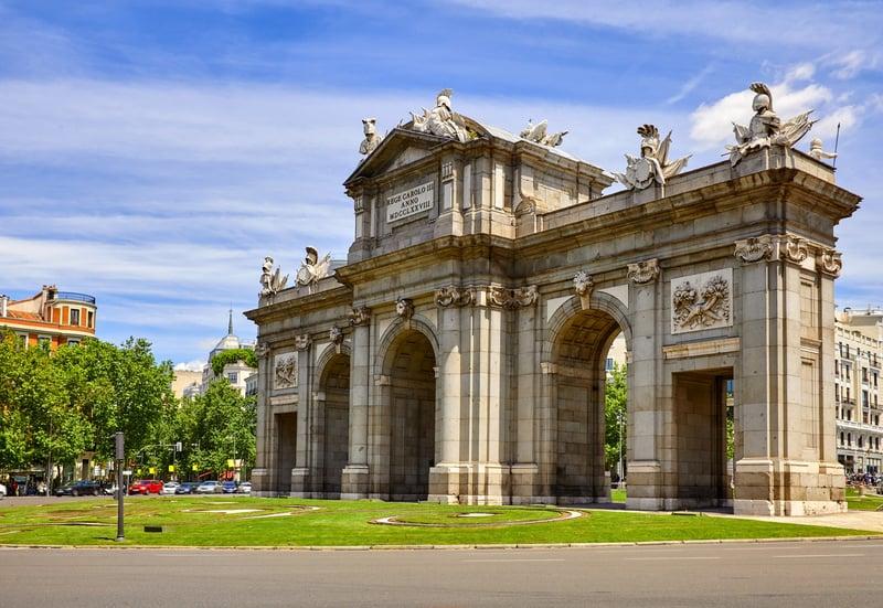 Puerta de Alcala Madrid Gezilecek Yerler Blog