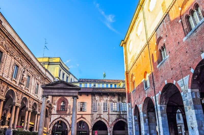 Milano Mercanti Meydanı