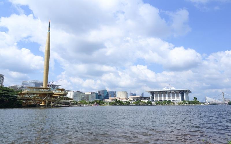 Millennium Monument - Kuala Lumpur Gezilecek Yerler Blog