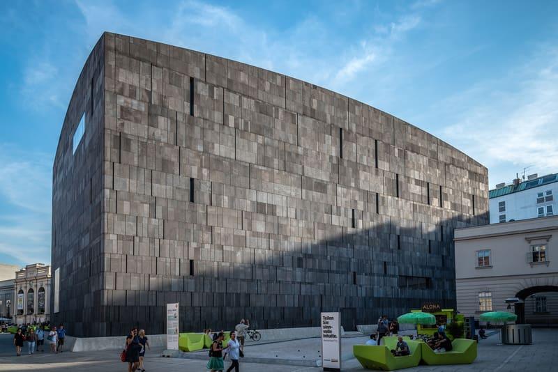Viyana Müzeler Bölgesi Mumok Müzesi