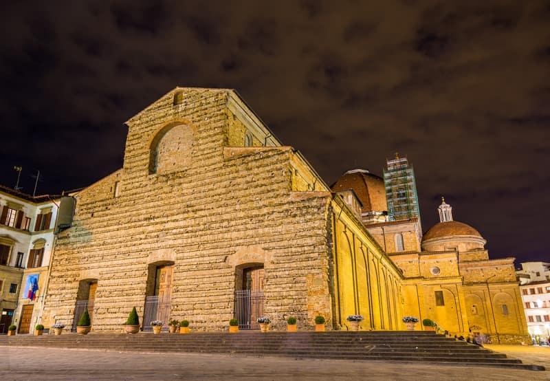San Lorenzo Bazilikası Floransa da Görülecek Yerler