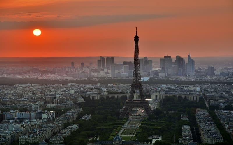 Paris Nerede ?