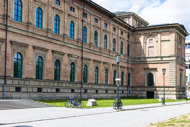 Alte Pinakothek - Sanat Müzesi