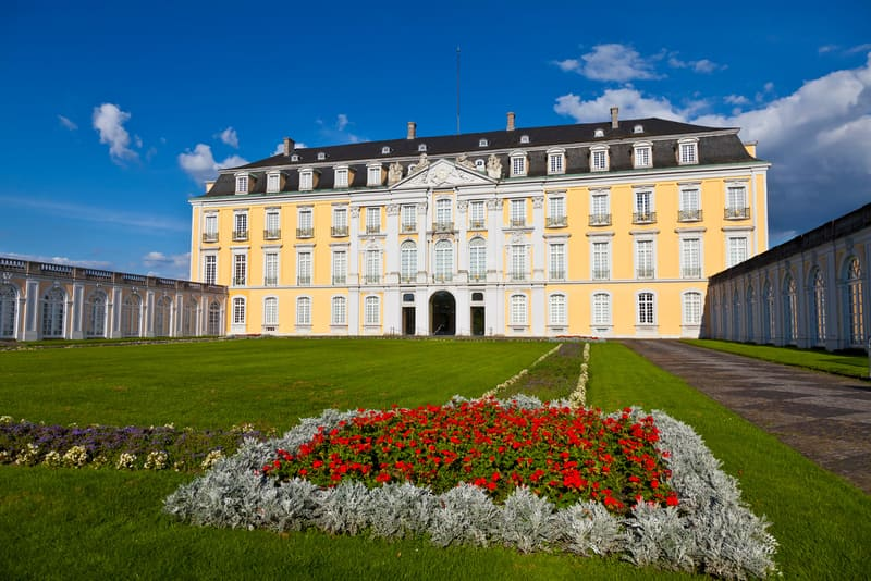 Augusturburg Sarayı