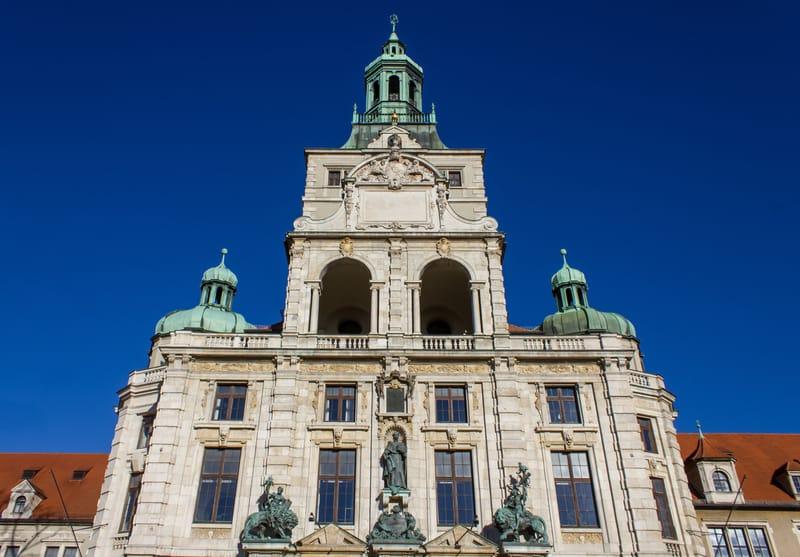 Bavyera Ulusal Müzesi Münih Gezilecek Yerler