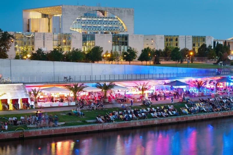 Berlin Gece Hayatı Deneyimi Yaşayın