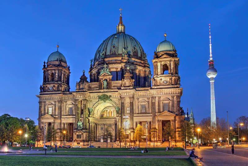 Berlin Katedrali Akşam