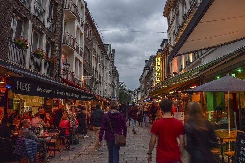 Düsseldorf Gezi Rehberi - Düsseldorf Gezilecek Yerler
