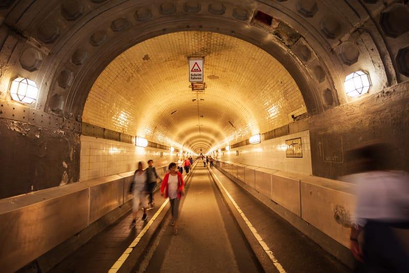 Elbe Tüneli Hamburg Gezilecek Yerler