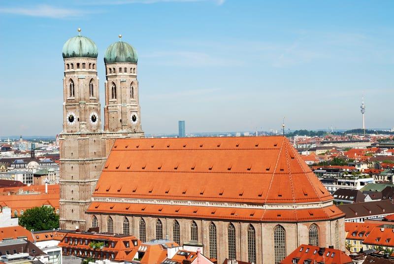 frauenkirche kilisesi - Münih Gezilecek Yerler Listesi