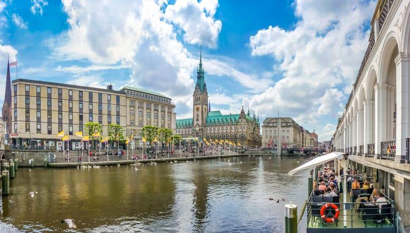 Hamburg Belediye Binası Manzarası - Hamburg da Gezilecek Yerler