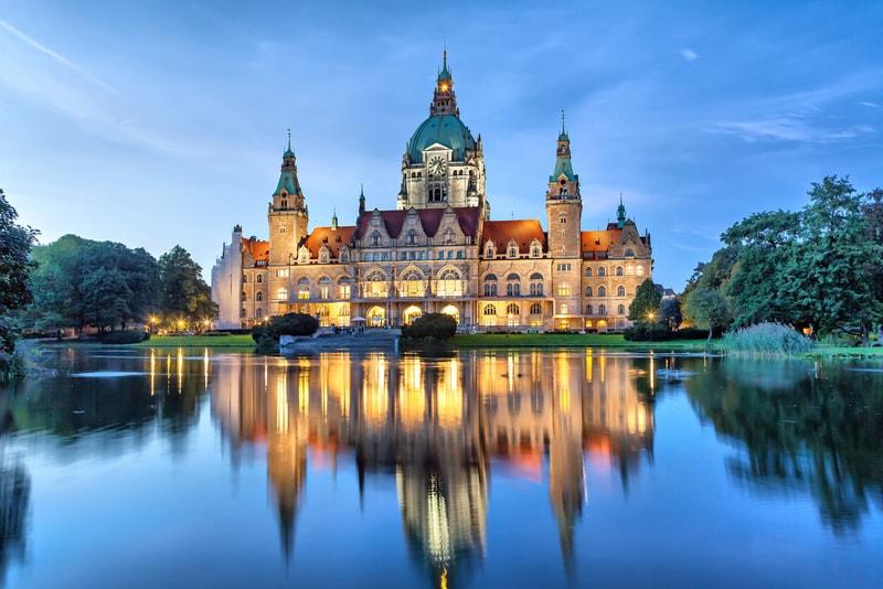 Yeni Belediye Binası - Hannover da Gezilecek Yerler