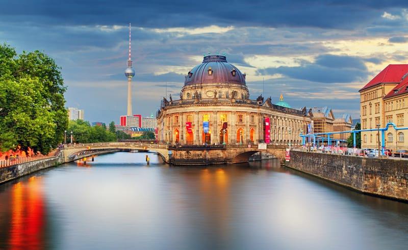 Müzeler Adası - Berlin de Gezilecek Yerler