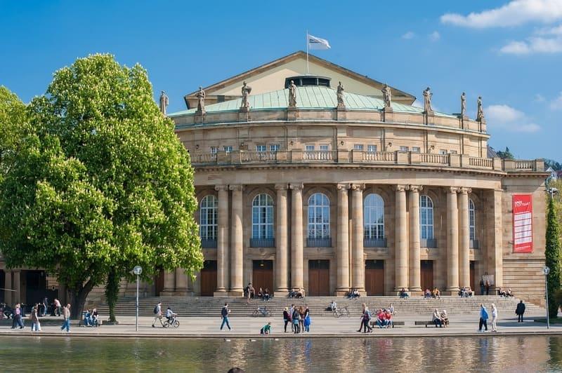 Şehir Tiyatrosu Stuttgart Gezilecek Yerler