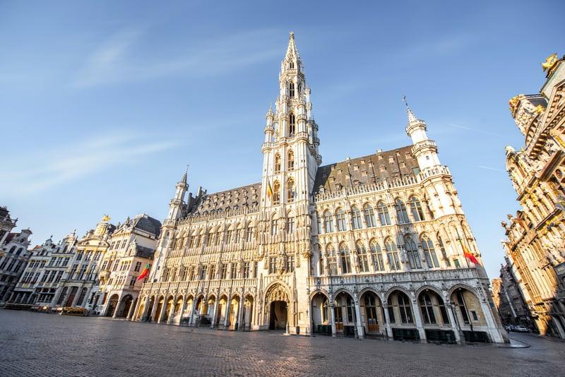 Brugge Belediye Binası ve Meydan