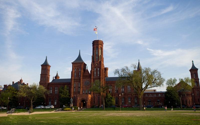 Smithsonian Enstitüsü