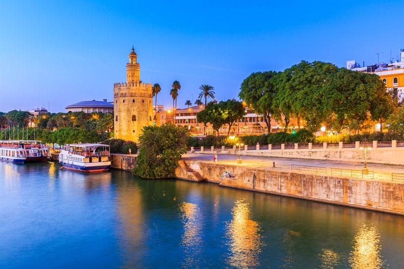 Torre del Oro Sevilla da Gezilecek Yerler