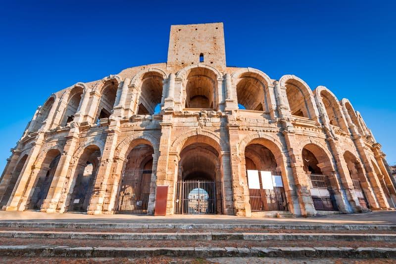 Arles Fransa da Gezilecek Yerler