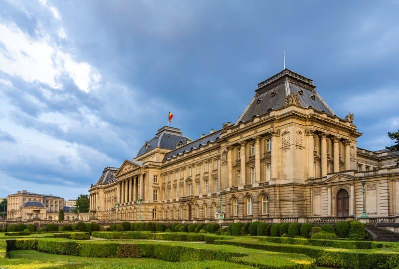 Brüksel Kraliyet Sarayı ve Bahçesi
