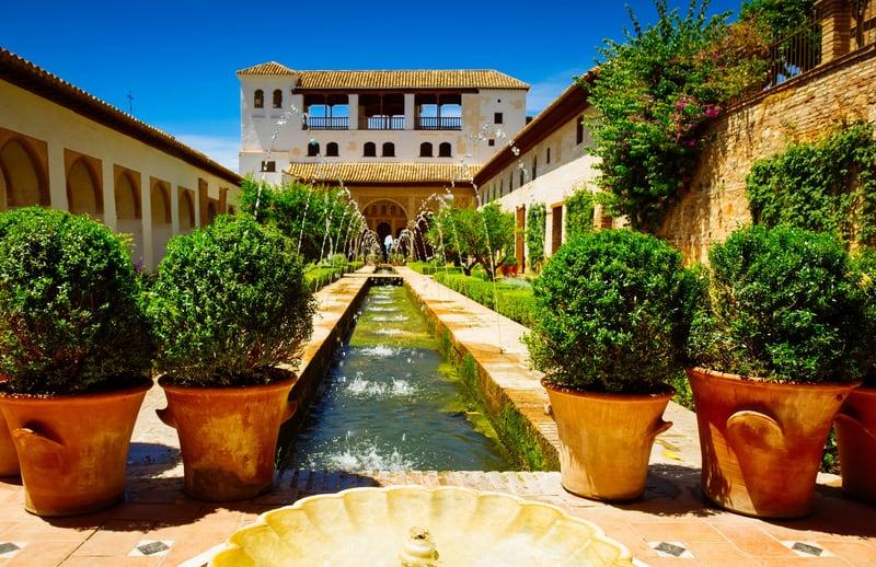 Generalife Sarayı ve Bahçeleri