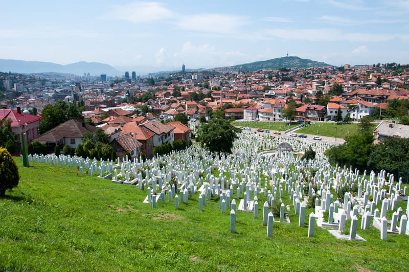 Kovači Anıt Mezarlığı Saraybosna da Gezilecek Yerler