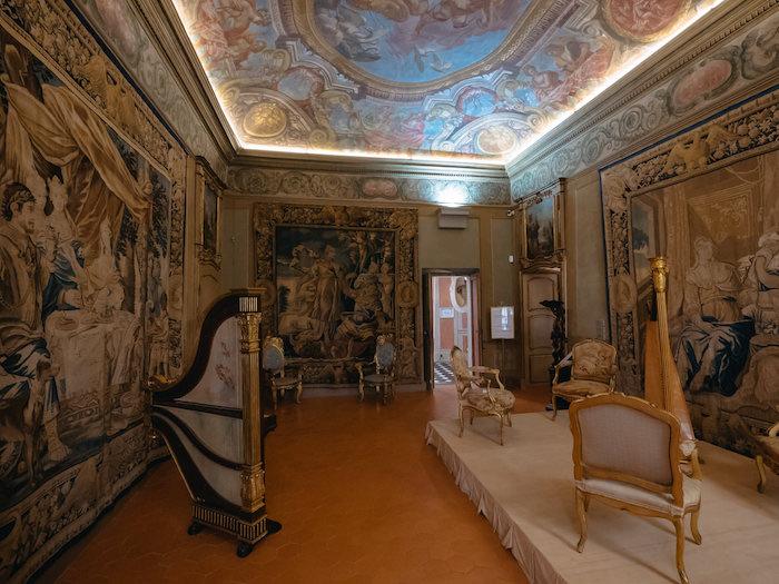 Lascaris Sarayı Nice Görülecek Yerler