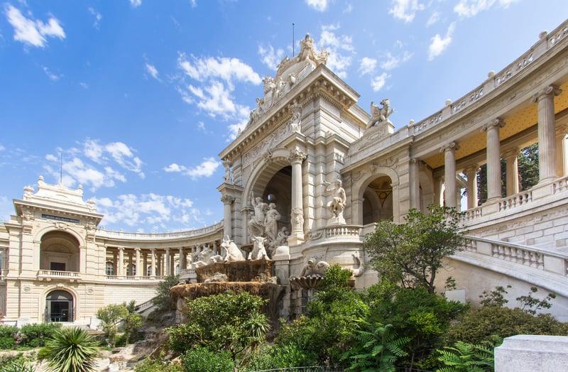 Longchamp Sarayı Marsilya da Görülecek Yerler
