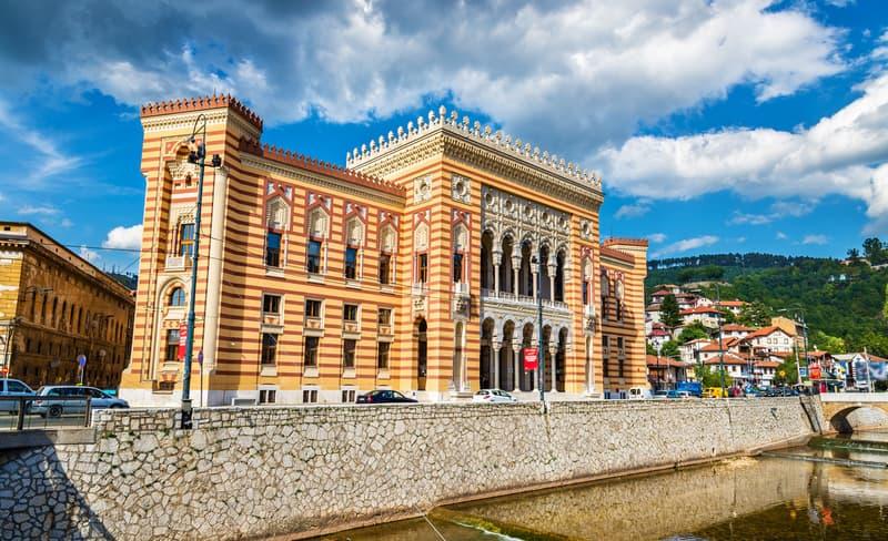 Saraybosna Belediye Binası (Vijećnica)