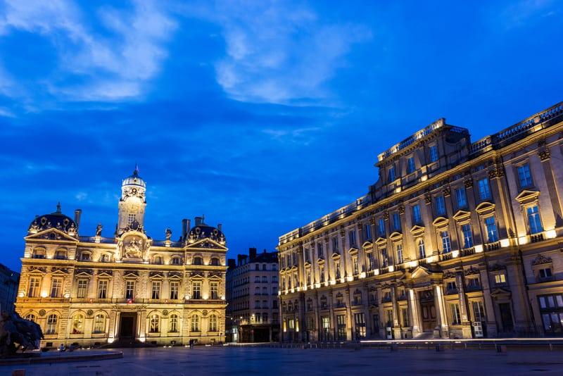 erreaux Meydanı Lyon Gezilecek Yerler