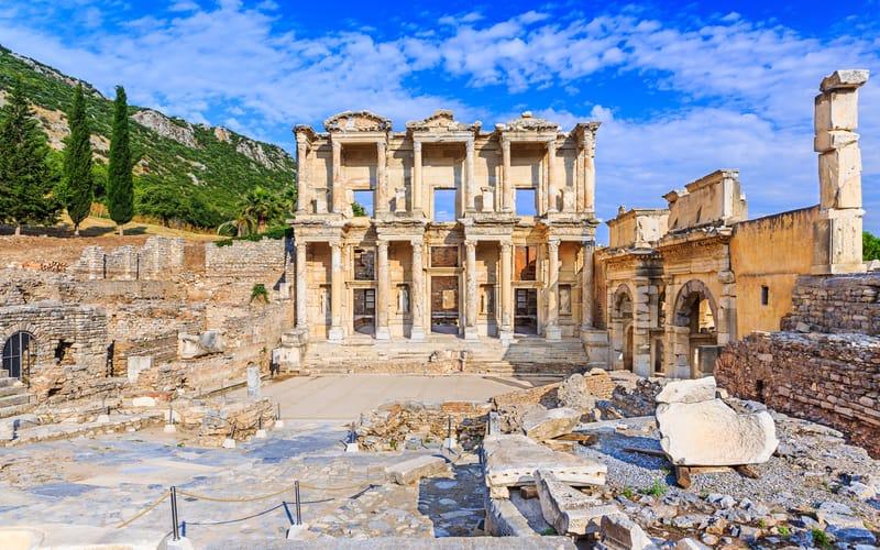 Celsus Kütüphanesi