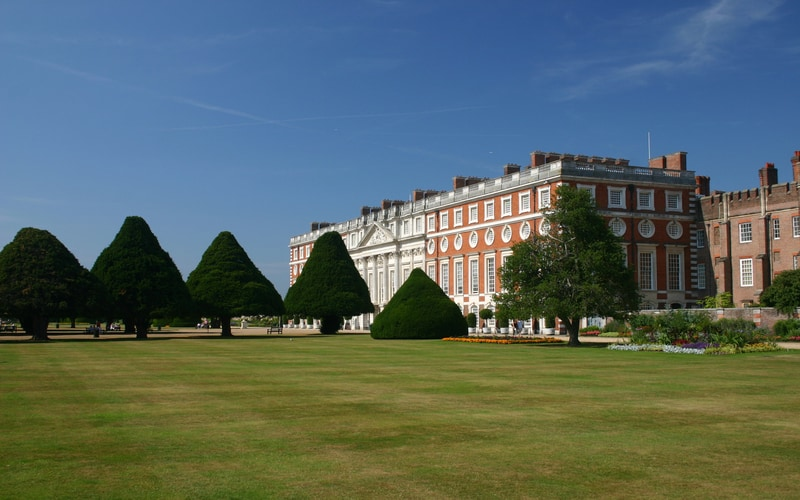 Hampton Court Sarayı