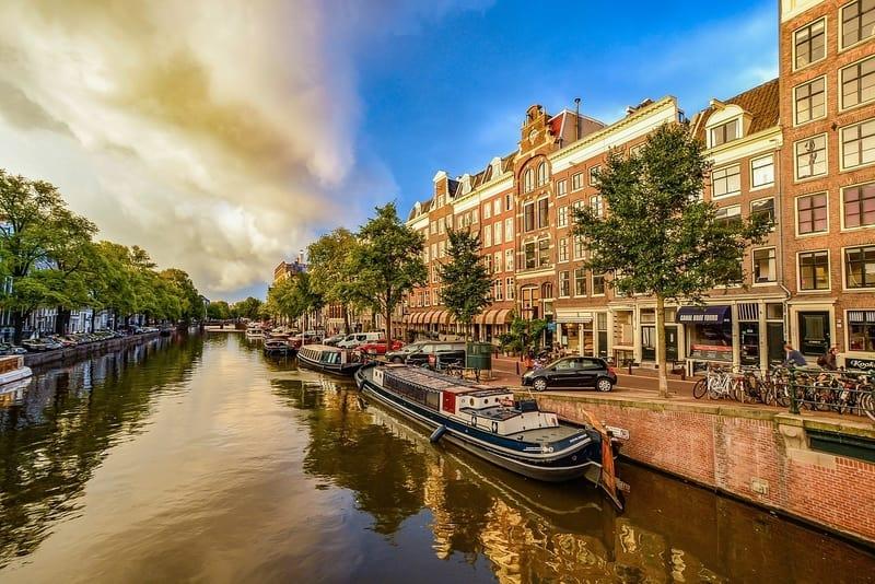 Amsterdam-nerede-kalinir