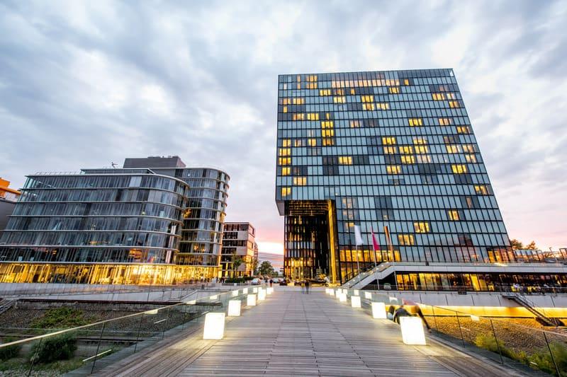 Düsseldorf'ta Nerede Kalınır ?