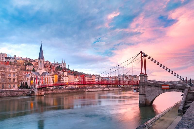 Lyon Nerede Kalınır ?