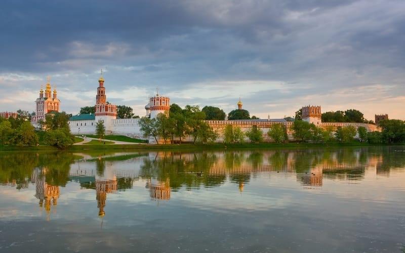 Moskova Gezilecek Yerler Novodeviçi Manastırı
