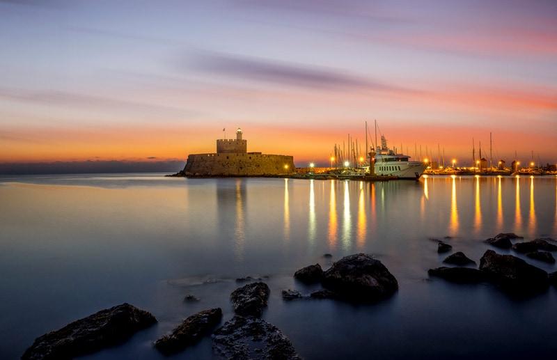 Mandraki Limanı