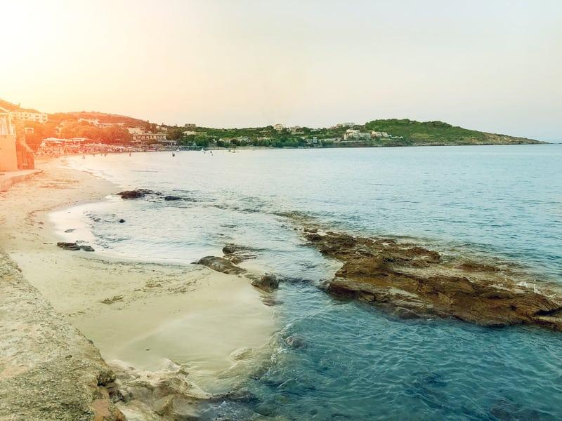 Karfas Plajı - Sakız Adası'nda Nerede Kalınır ?