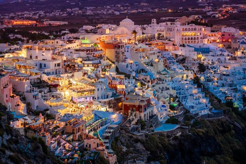 Fira Bölgesi Santorini'de Nerede Kalmalı ?