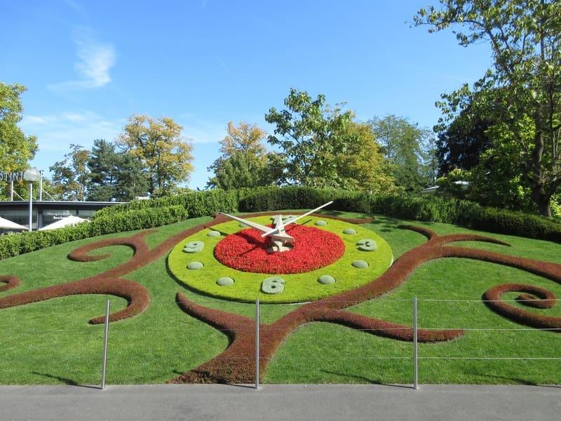 İngiliz Bahçesi ve Çiçek Saati