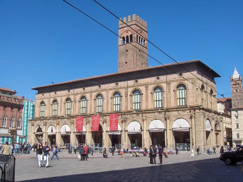 Podesta Sarayı