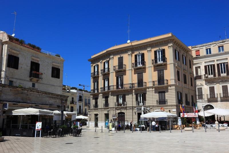 Ferrarese Meydanı