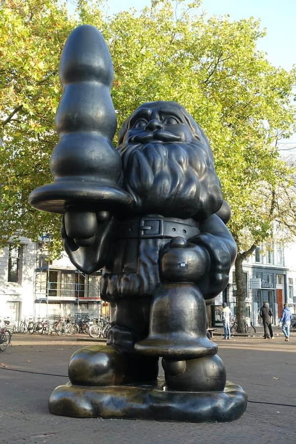Noel Baba Heykeli Rotterdam