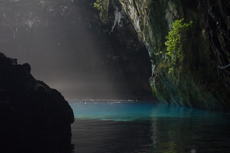 Kefalonya Melissani Mağarası